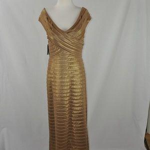 TADASHI SHOJI Stretch Tiered Gown Gold Shimmer, XL